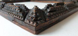 arts and crafts diamond shape frame pyramid diamant vorm houtbewerking handcrafted handmade carving wood pictureframe lijst antique vintage rare arts&crafts skoander.com